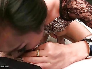 Pretty Ladyboy Cindy Ass Fingering