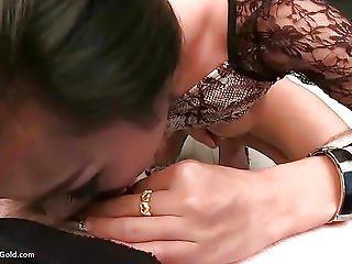 Pretty Ladyboy Cindy Ass Fingering