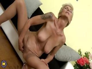 Huge Titted Blonde Granny Masturbating