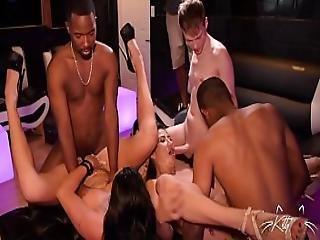 Svart orgie grupp sex