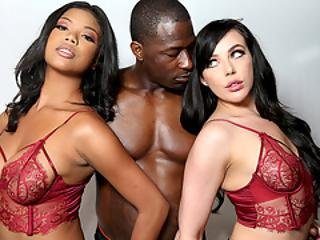 Busty Ebony Nia Nacci And Whitney Wright Have Interracial Threesome Sex With Rob Piper