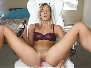 Beautiful Blonde Girl Playing With Big Dildo Explosive Orgasm Live Cam Show