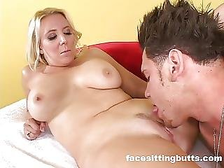 Buffed Up Guy Cums On His Hot Stepmoms Face