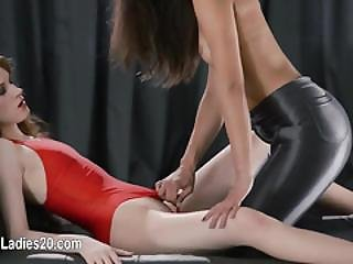 Huge Dildo In Their Hands Trying First Lesbians Penetrating