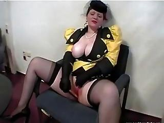 Mature Lady In Smart Dress Expose Herself