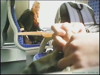 Stymulacja Wacka Dłonią, Publicznie