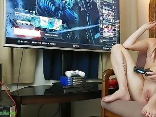 Gamer Girl 18 Y/o Girl Smokes A Blunt Naked And Plays Cod Black Ops 4