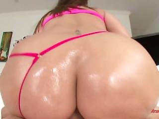 Paige Turnah Needs To Be Fucked