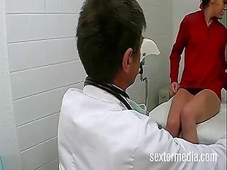 Das Erste Mal Beim Frauenarzt