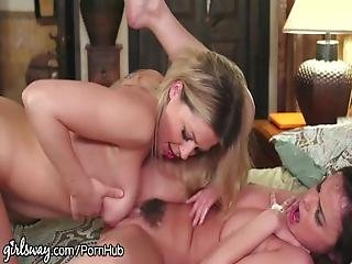 Dillion Harper Squirts From Lesbian Dovefucking