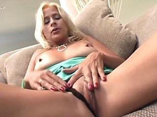 Mature Cunt Payton Leigh Hardcored