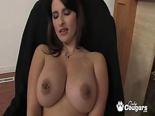 Busty All Natural Thick And Chunky Cougar Fingers Fucks Herself