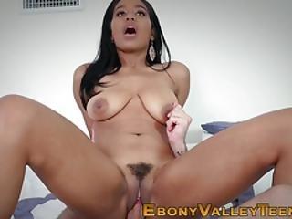 Amateur Black Slut Sucks