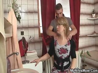 Smart Guy Bangs His Motherinlaw