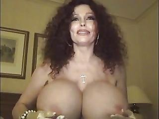 Mature Fucking With A Big Bottle1220761