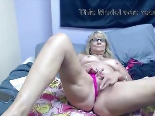 Blonde Granny-old Pussy Masturbating