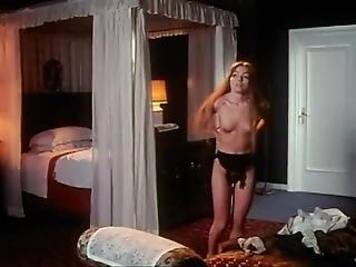 Peccatori Di Provincia - Nude Scenes