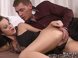 Stunning Milf Gets Rimjob And Fuck