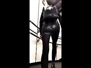 Candid Miniskirt Hottie