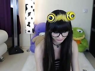 6cam.biz Teen Laurenbrite Flashing Boobs On Live Webcam