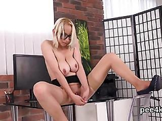 Ravishing Girl Is Urinating And Pleasing Shaved Cunt