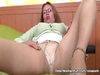 Latina Milf Cintia Needs To Fulfill Her Desire