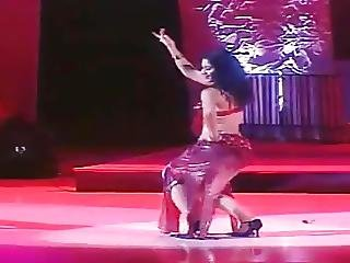 Uzbek Girl Beautiful Belly Dancing