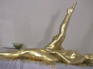 Mrs. Bee Gold Mg