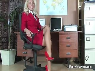 blondine, onanieren, milf, büro, höschen, strumpfhose, muschi, necken