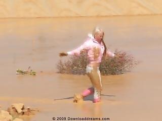 μεγάλο βυζί, ξανθιά, βυζιά, ροζ, καπότα