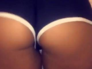 Sexy Latina Shaking Her Round Ass