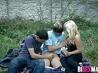 Blonde Hottie Watch Bisexual Threesome