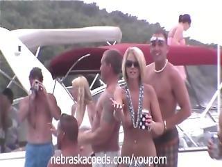 Many Random Women Flashing Their Perfect Tits On A Lake In Missouri