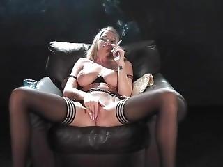 blondine, rauchen