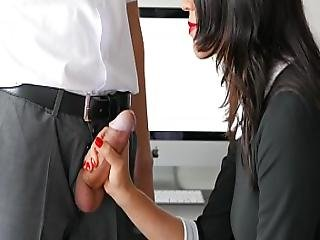 Amateur Handjob By Secretary For Office Boss Huge Cumshot In Mouth With Red Lips