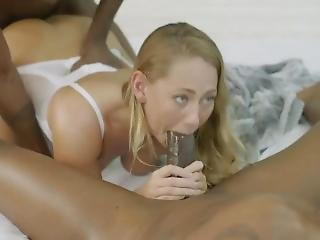 White Girl Pussy Makes The Bbc Rules