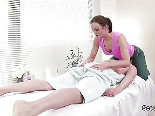 Massage Teen Seduce To Fuck By Client In Parlour