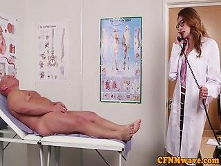 británicos, cfnm, cum, handjob, enfermera, seducido