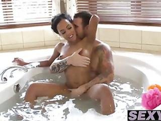 Awesome Black Babe Noemilk Is Yearning For Some White Meat
