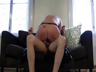 Mature lady w hot body getting banged