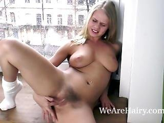 Darina Nikitina Strips Naked And Masturbates
