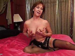 Sexy Mother With Saggy Tits And Hungry Vagina
