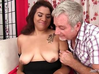 Brown Haired Chubby Girl Gets Her Pussy Licked By A Mature Guy Then He Fucks Her Mouth And Pussy So Deep And Hard He Cums On Her Chin And Neck