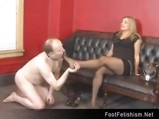 Magnificient Mistress Smelly Nylon Feet