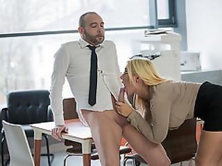 Blond, Business Kvinde, Krem, Creampie, Tissemand, Doggystyle, Kneppe, Ungarsk, Teen, Arbejdsplads