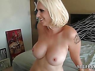 Curvy Hot Mom Fucks And Eats Black Pecker