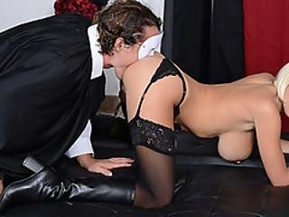 Luscious Cock Sucking Lips Used To Strangers Cock