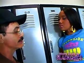 Kapri Styles Caught In Locker Room