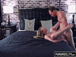 Pornfidelity Alyssa Cole Tight Asshole Stretched Out