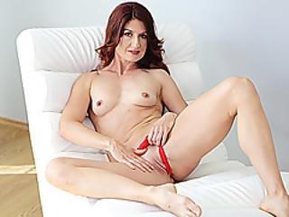 Skinny Mom Masturbating On Vr Cam